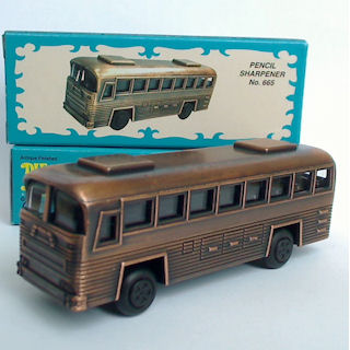 Apontador De Metal: Ônibus Bronze Greyhound Bus NO. 665