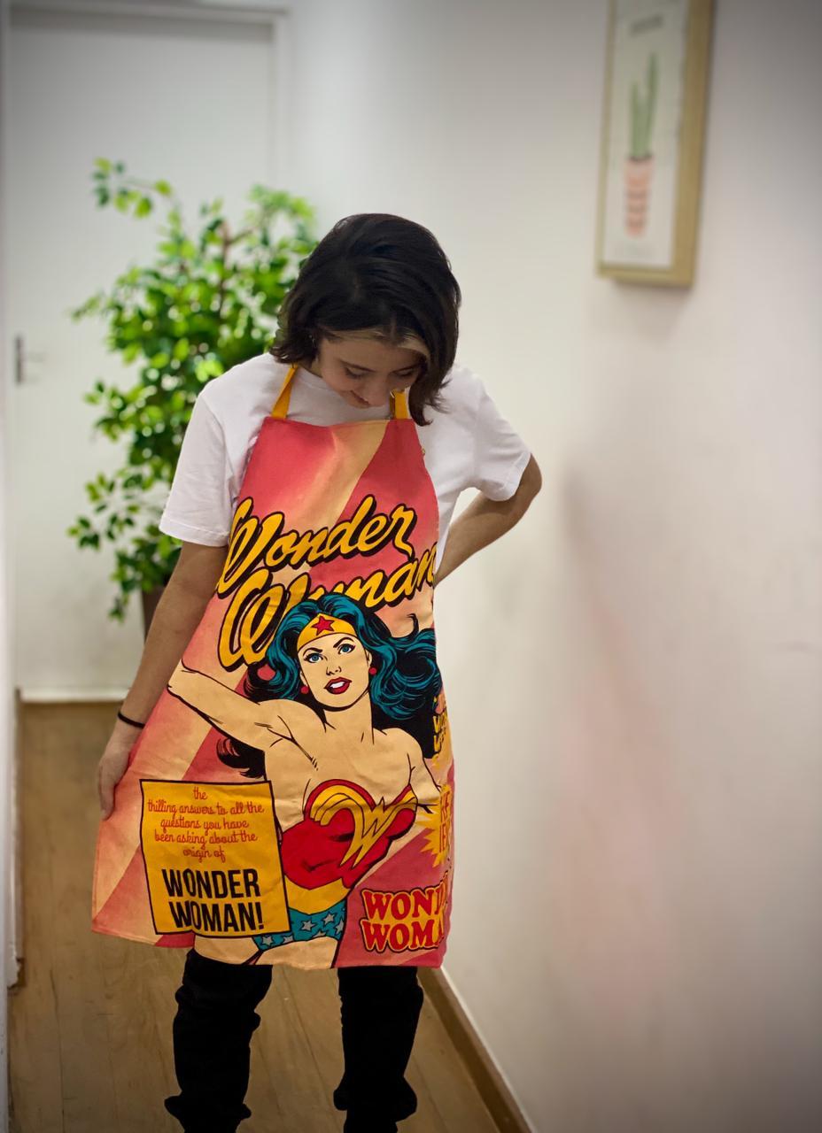 Avental Mulher Maravilha (Wonder Woman) Rosa: DC Comics