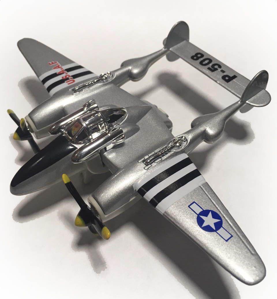 Avião Bimotor War Fighter P-508 (Prata)