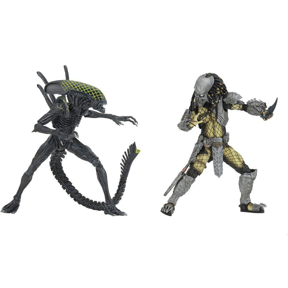 AvP (Alien vs Predador / Predator): Celtic Predador / Predator vs Grid Alien (Battle Damaged) Escala 1/10 - NECA