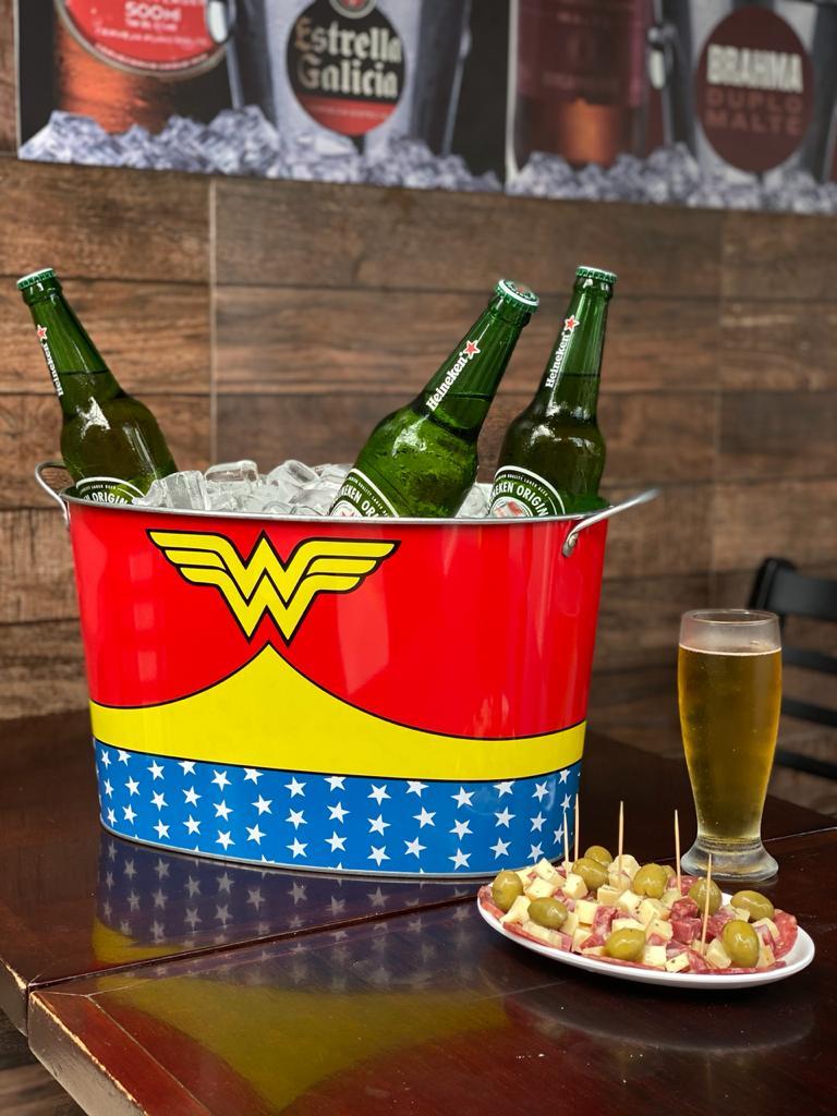 Balde de Gelo Oval Wonder Woman (Mulher Maravilha) Body Customs