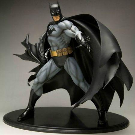 Batman (Versão Preta) ArtFX - Kotobukiya