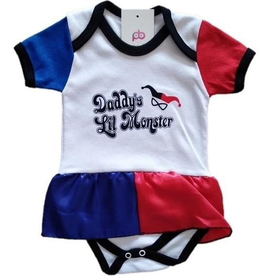 Body Bebê Geek Arlequina Harley Quinn Daddy's Lil Monster: Esquadrão Suicida Suicid Squad Batman - DC Comics