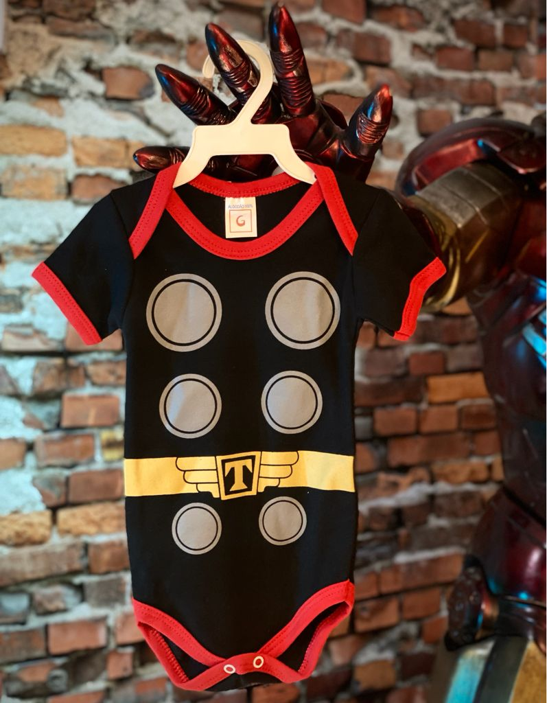 Body Bebê Geek Thor Vingadores Avengers Preto - Marvel Comics