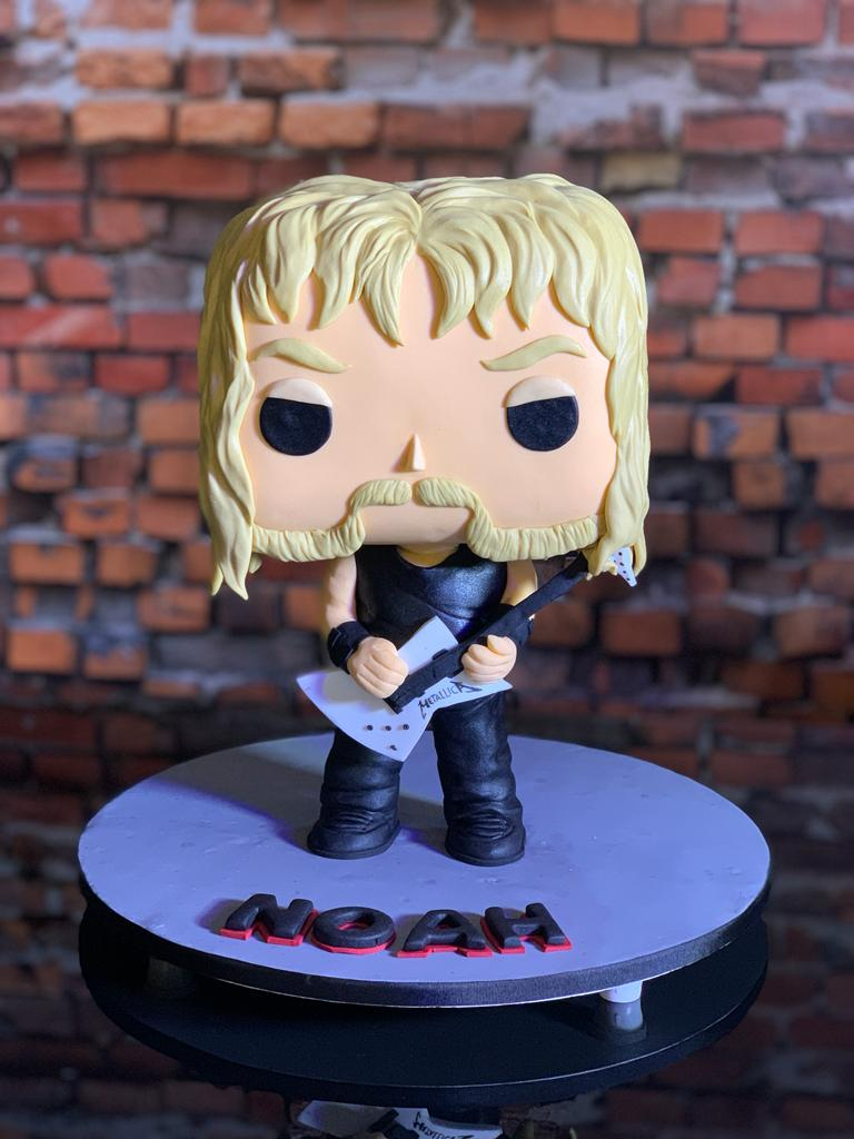Bolo 3D James Hetfield Metallica - Geek Cake - EV