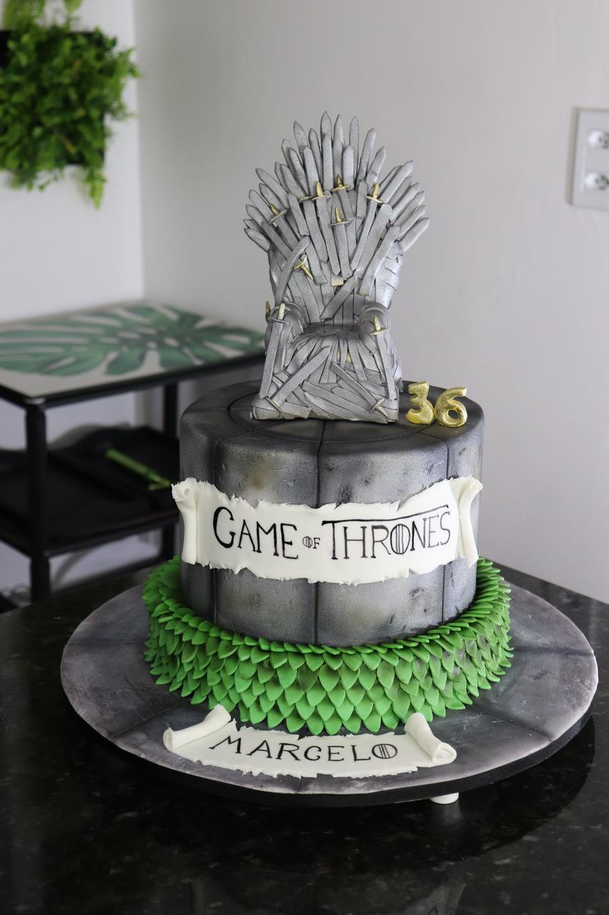 Bolo Trono De Ferro Iron Throne: Guerra Dos Tronos Game Of Thrones - Geek Cake - EV