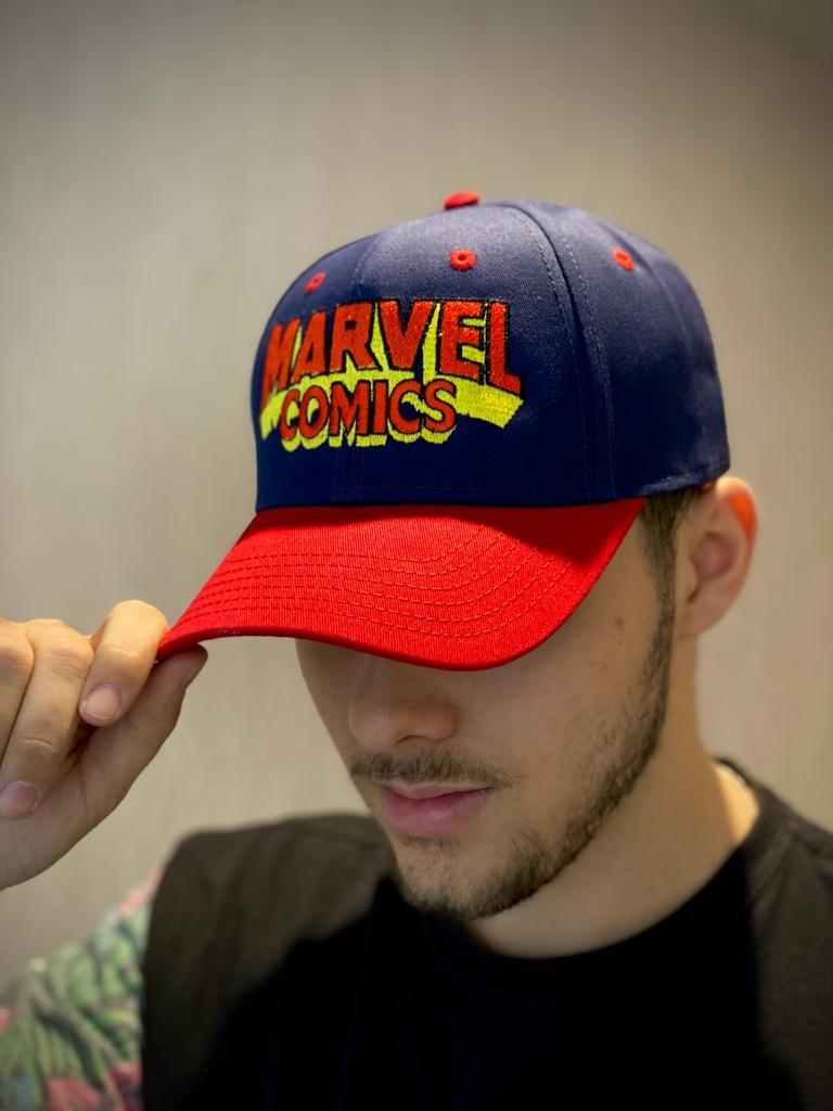 Boné Aba Curva Marvel Comics