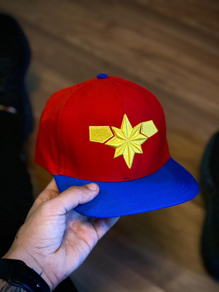Boné Aba Reta Capitã Marvel