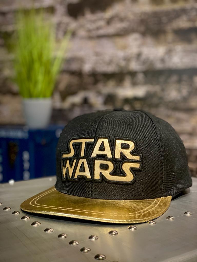 Boné Aba Reta Logo Star Wars: Star Wars (Preto e Dourado) - Nova Era