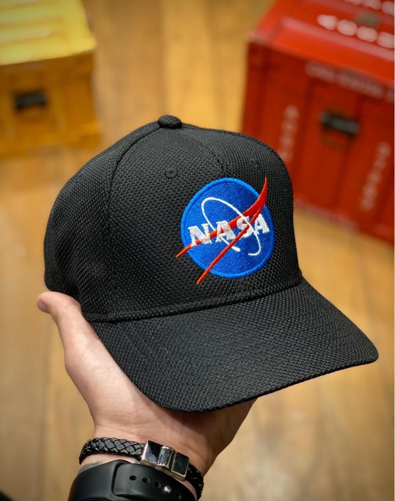 Boné Trucker Logo Nasa