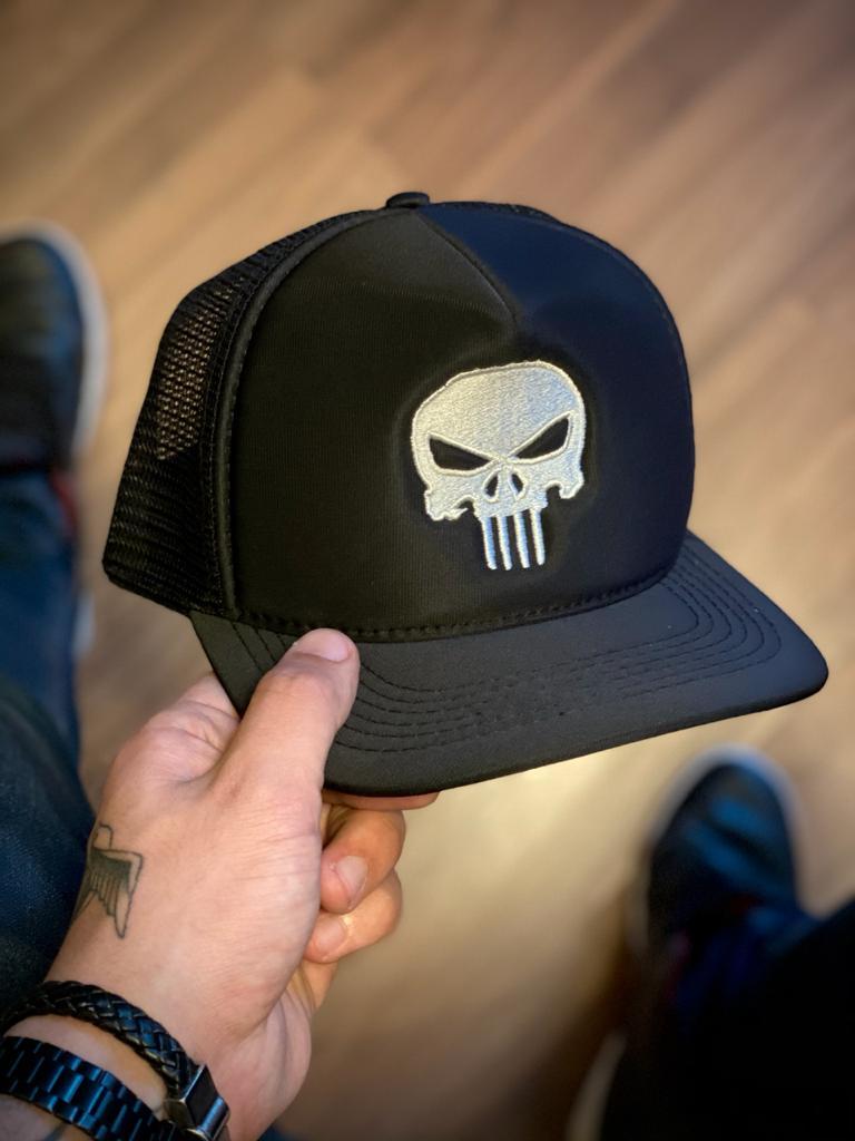 Boné Trucker Logo O Justiceiro (The Punisher): Marvel Comics - EV
