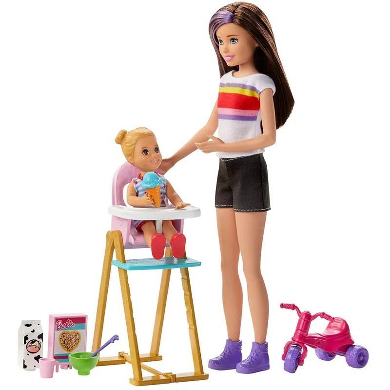 Boneca Barbie: Barbie Babysitters (Skipper) (Alimentando) - Mattel