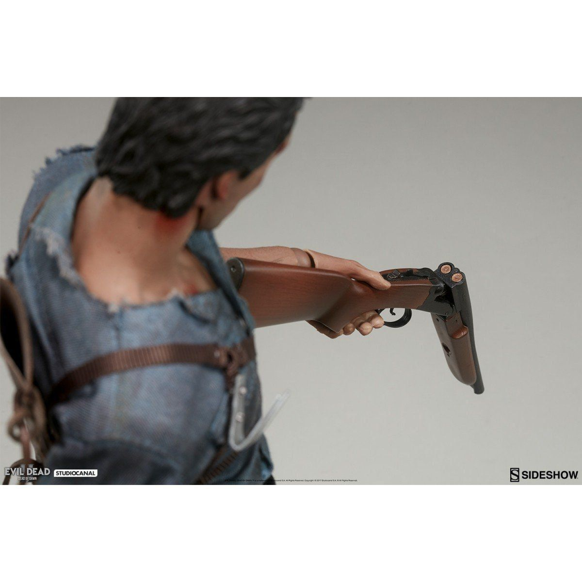 Boneco Ash Williams: Evil Dead 2 Escala 1/6 - Sideshow - CD