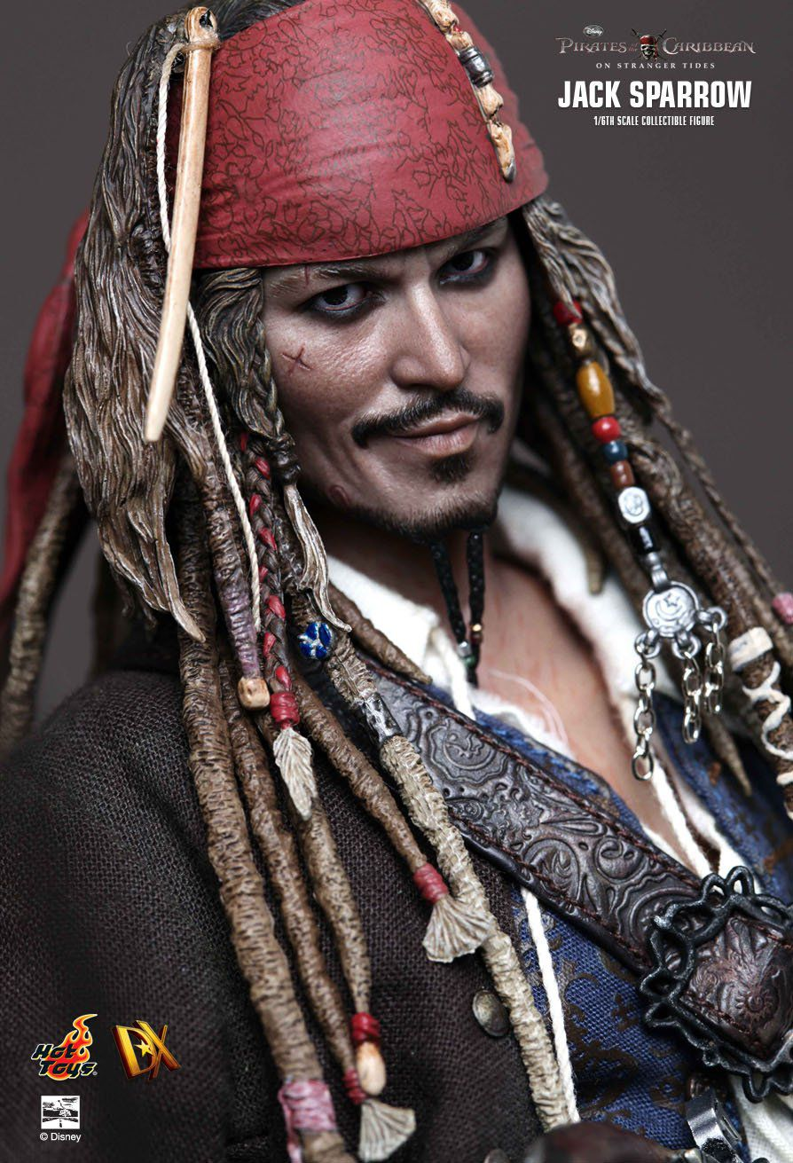 Boneco Jack Sparrow: Piratas do Caribe: Navegando em Águas Misteriosas (On Stranger Tides) Escala 1/6 (DX06) - Hot Toys