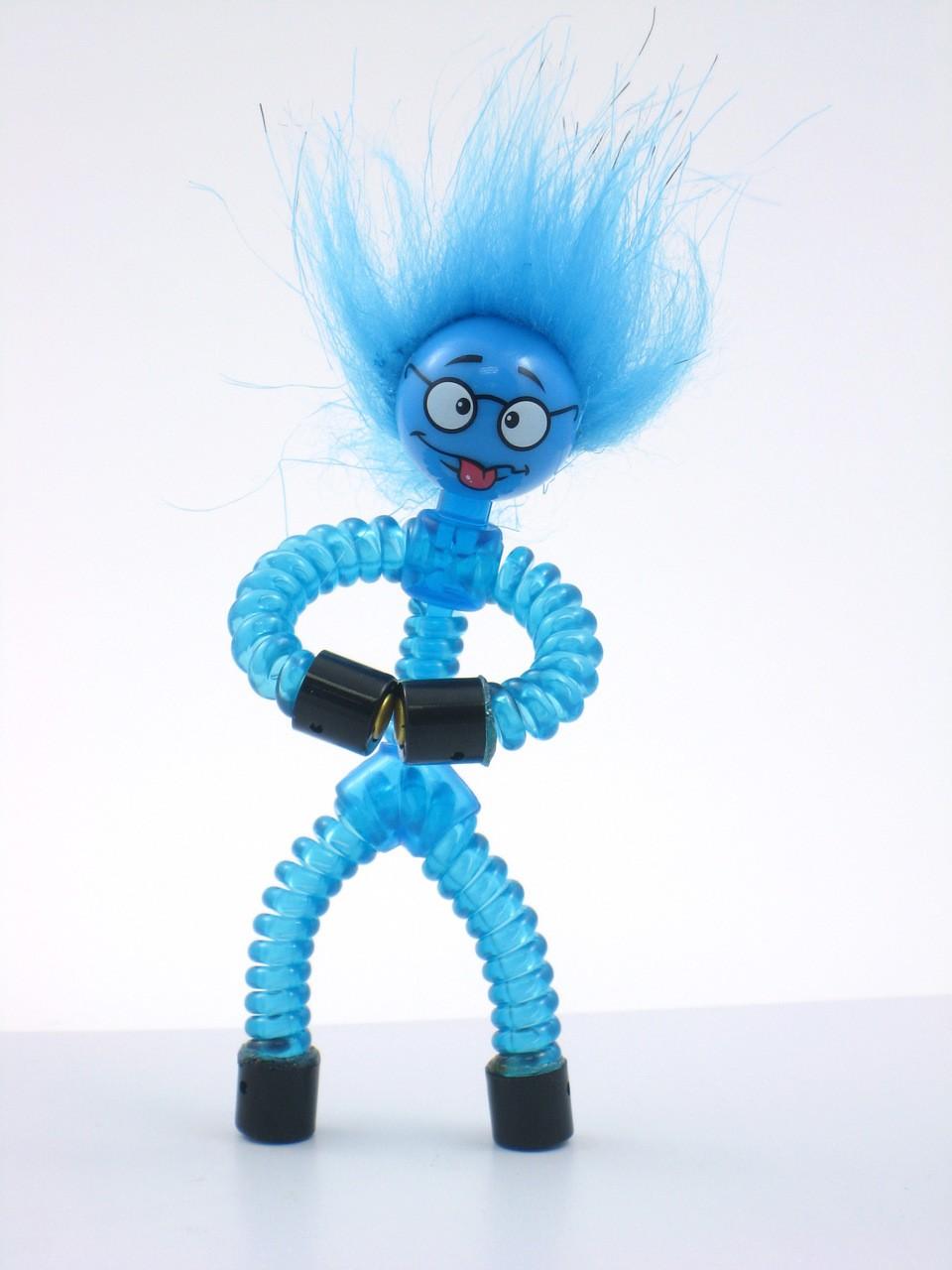 Boneco Magno-z:  Pés e Mãos Magnéticos (Azul) -  DTC