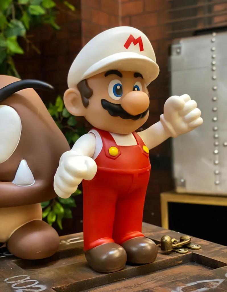 Boneco Mario Fire: Super Mario Bros (20Cm)