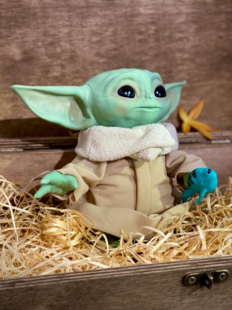 Boneco Pelúcia Grogu ''Baby Yoda'' (The Child) Talking: The Mandalorian (Star Wars) - Hasbro