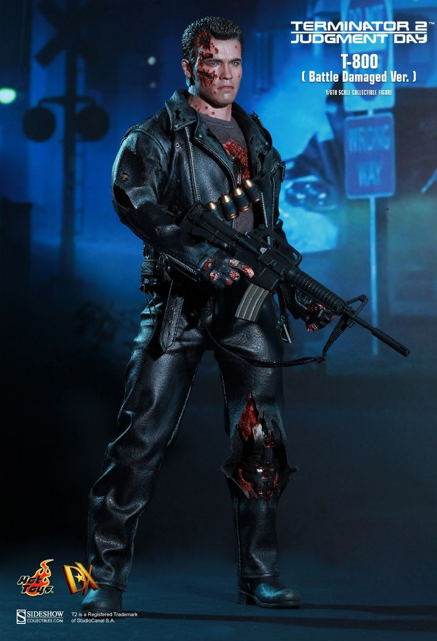Boneco T-800 (Battle Damaged Version): Exterminador do Futuro 2 (Terminator 2) Escala 1/6 (DX 13) - Hot Toys - CG