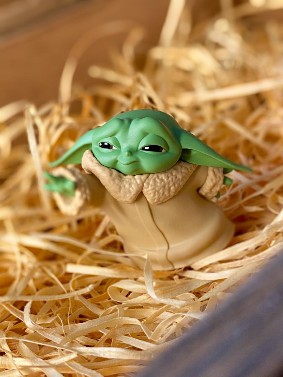 Boneco Grogu ''Baby Yoda'' Force Moment (The Child): The Mandalorian (Star Wars) - Hasbro