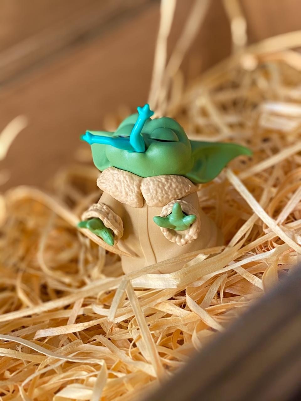 Boneco Grogu ''Baby Yoda'' Froggy Snack (The Child): The Mandalorian (Star Wars) - Hasbro