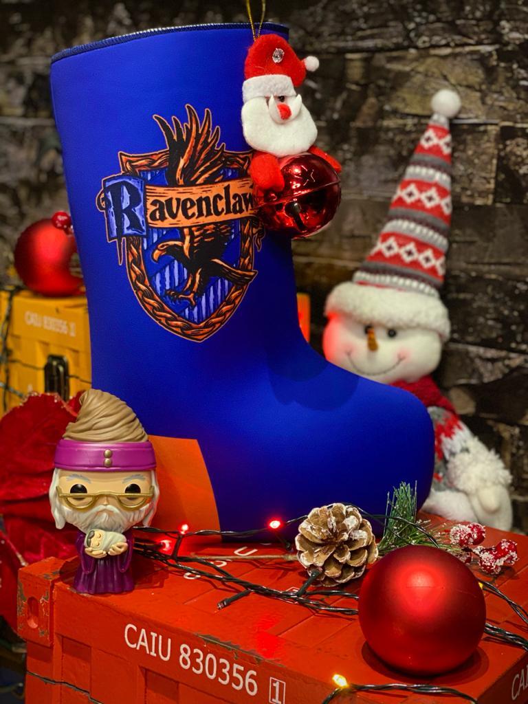 "Bota ""Corvinal (Ravenclaw)'' Enfeite de Natal Porta Presentes"