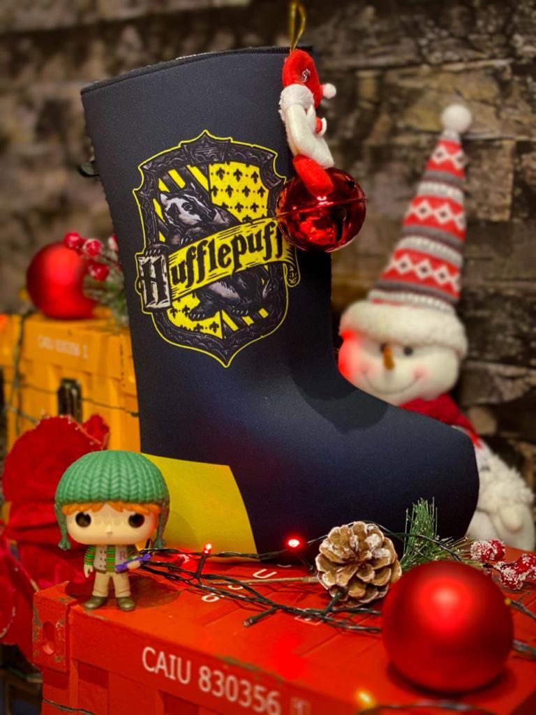 """Bota """"Lufa-Lufa (Huffepuff)'' Enfeite de Natal Porta Presentes"""