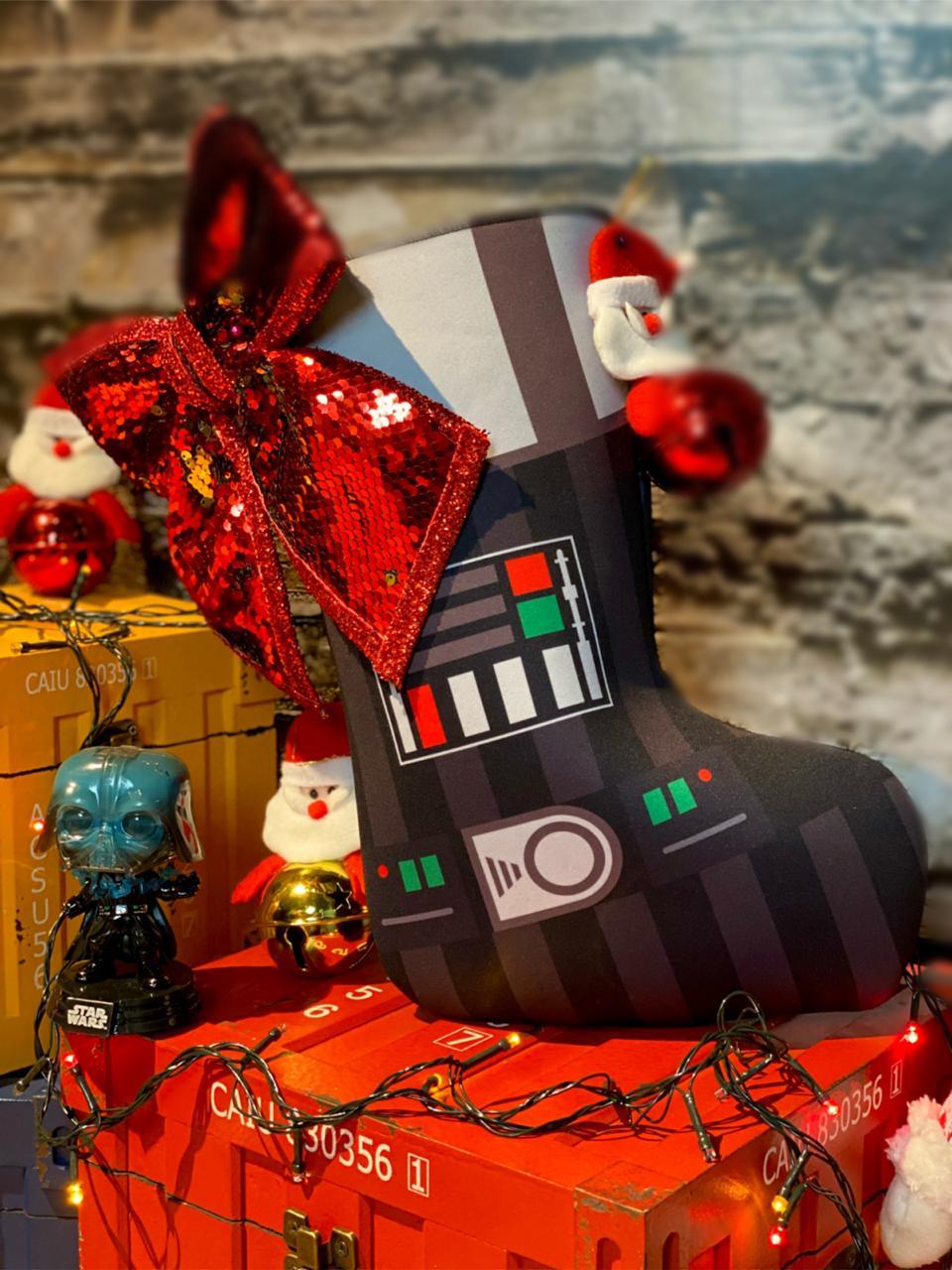 "Bota ""Darth Vader"" Enfeite de Natal Porta Presentes: Star wars - EV"