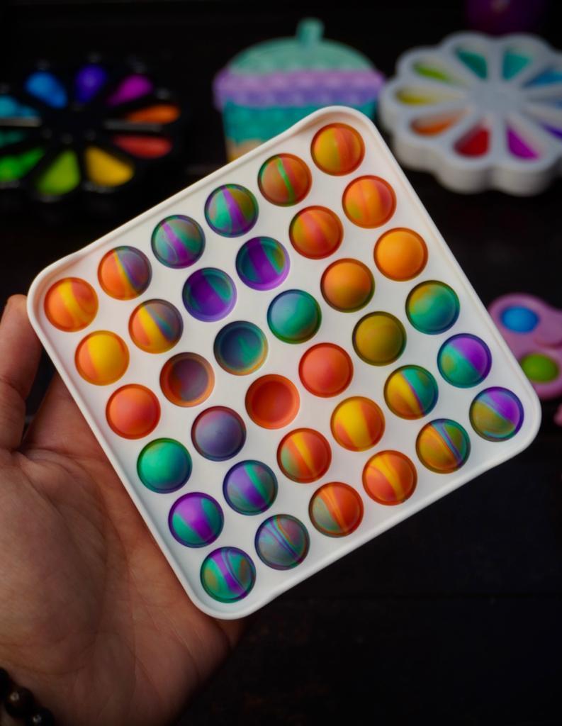Brinquedo Anti Estresse Pop It Fidget Pop Tube Stress Ball Wacky Track SquishMallow Bubble Bolha Bola Colorida Sensorial de Alívio de Stress - EV