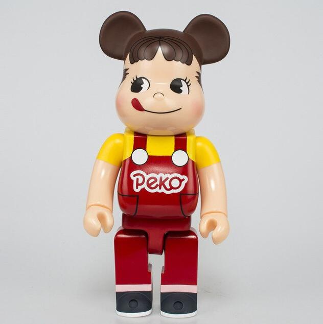 Brinquedo Boneco Colecionavél Action Figure Bearbrick Bear 400% Criança Peka (Roupa Vermelha) - EVALI