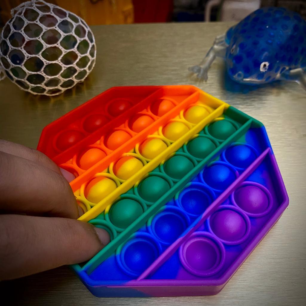 Brinquedo Anti Estresse Fidget Bubble Bolha Hexágono Sensorial de Alívio de Stress Arco Íris