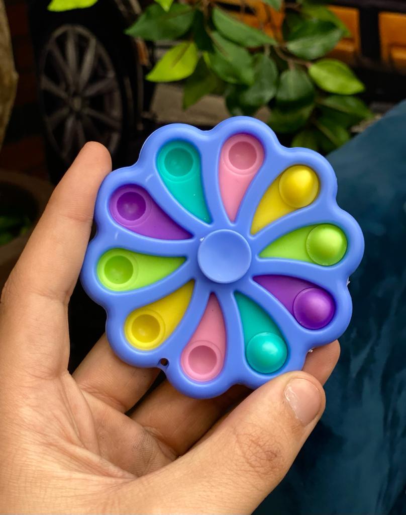 Brinquedo Hand Flor Lilás Spinner Anti Estresse Pop It Fidget Pop Tube Stress Ball Wacky Track SquishMallow Bubble Bolha Sensorial de Alívio de Stress