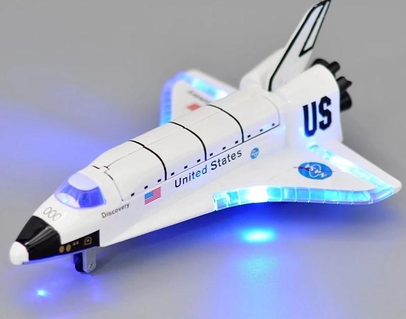 Brinquedo Réplica Onibus Espacial Shuttle Nasa Espaço Astronauta Discovery OV-102 Columbia Luz e Som Diecast 20 cm EVALI
