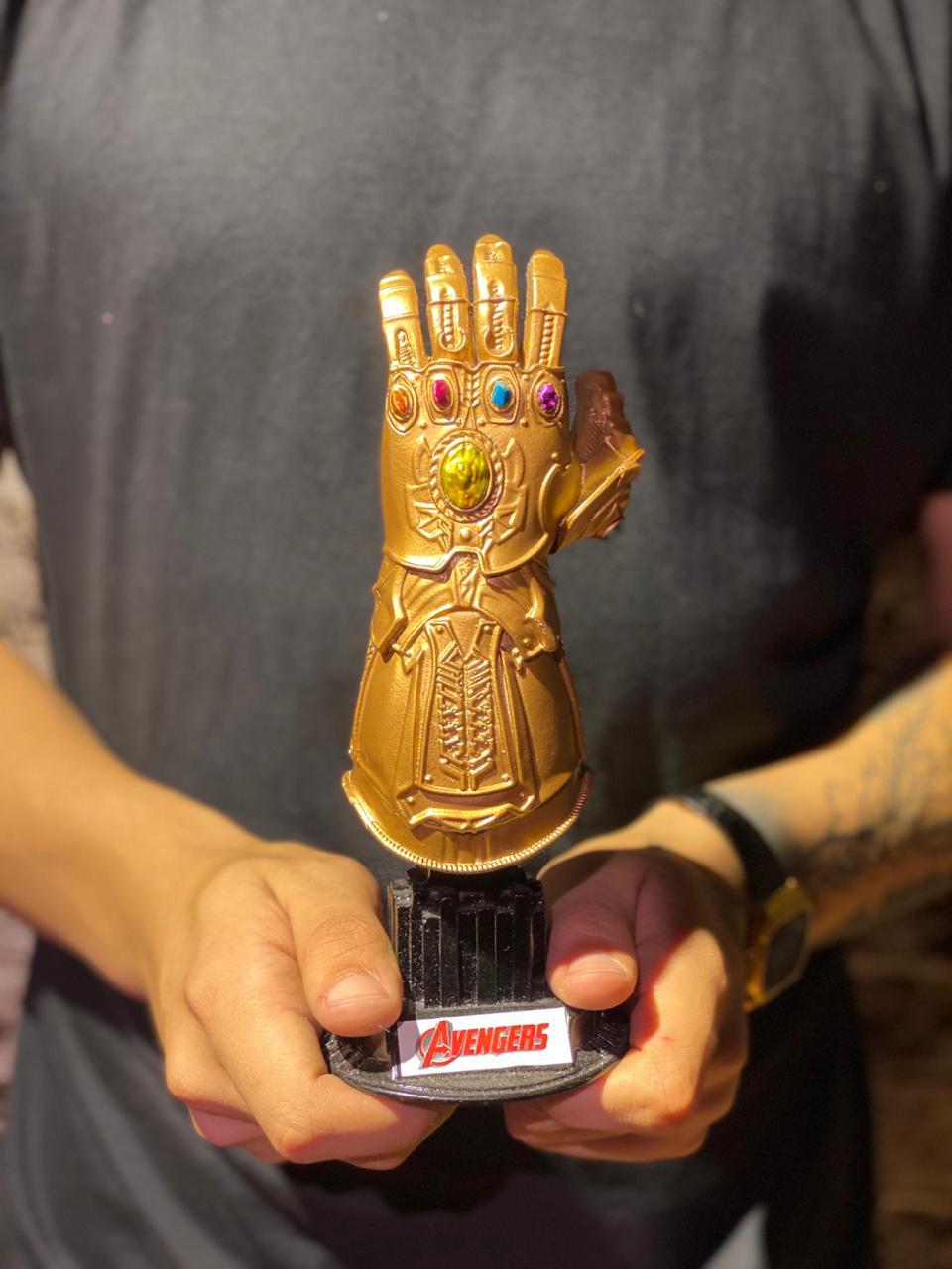 Busto Manopla do Infinito: Vingadores Guerra Infinita -  Marvel Comics -wars
