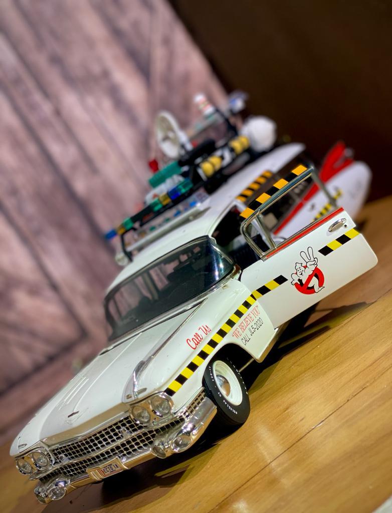 Cadillac Caça Fantasmas Ghostbusters 2 ECTO 1A 1:18 - Hot Wheels