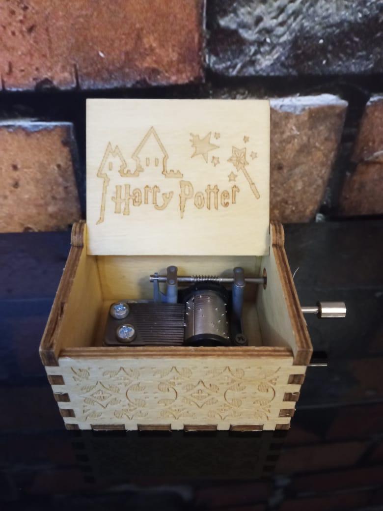 Caixa De Música Harry Potter Hogwarts Escola de Bruxos