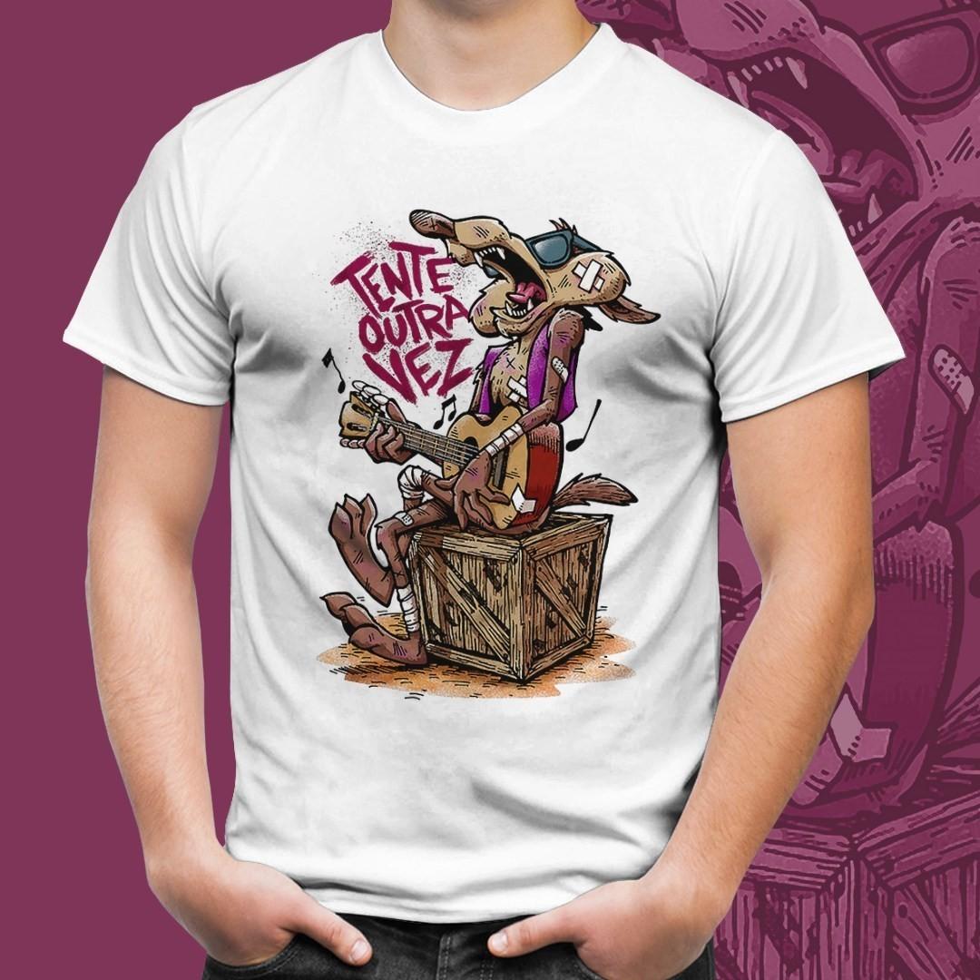 "Camiseta Branca Unissex Wile Coyote ""Tente Outra Vez"""