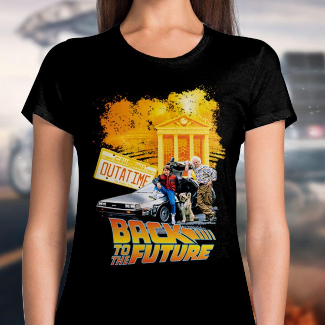 Camiseta Feminina De Volta Para o Futuro (Back To The Future): Outatime (Preto)