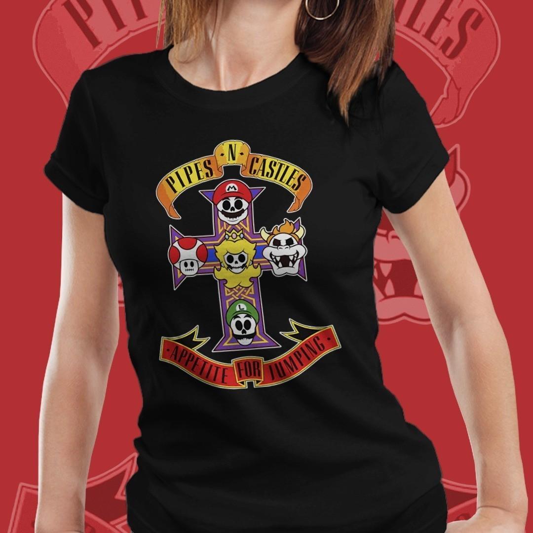 """Camiseta Feminina """"Pipes In Castles, Appetite For Jumping"""":Super Mario Bros (Preto)"""