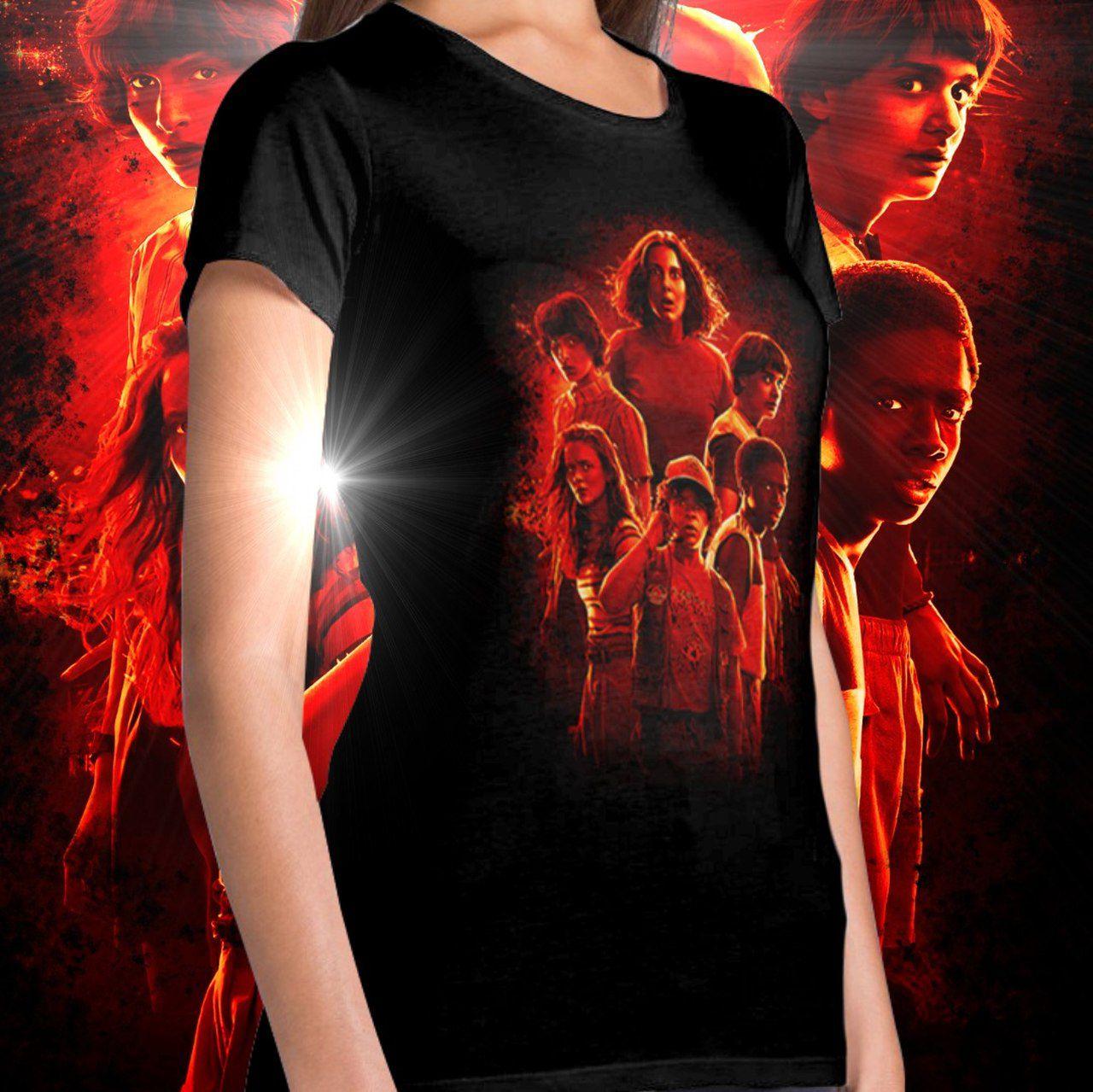 Camiseta Feminina Stranger Things: Stranger Things (Terceira Temporada)