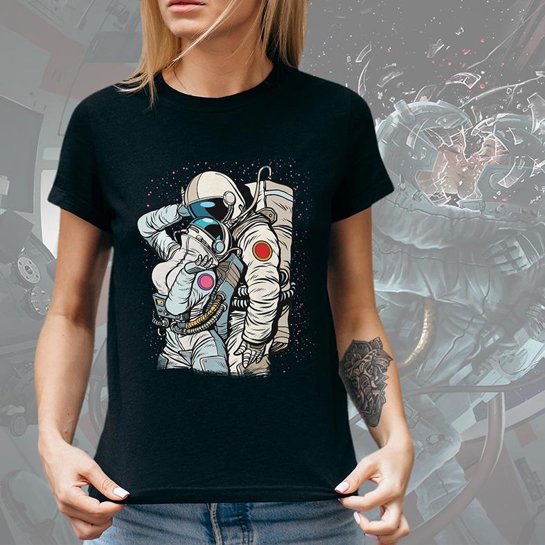 Camiseta Feminina Unissex Cosmic Love Astronauts Amor Cósmico Astronauta Space Nasa (Preta) - EV
