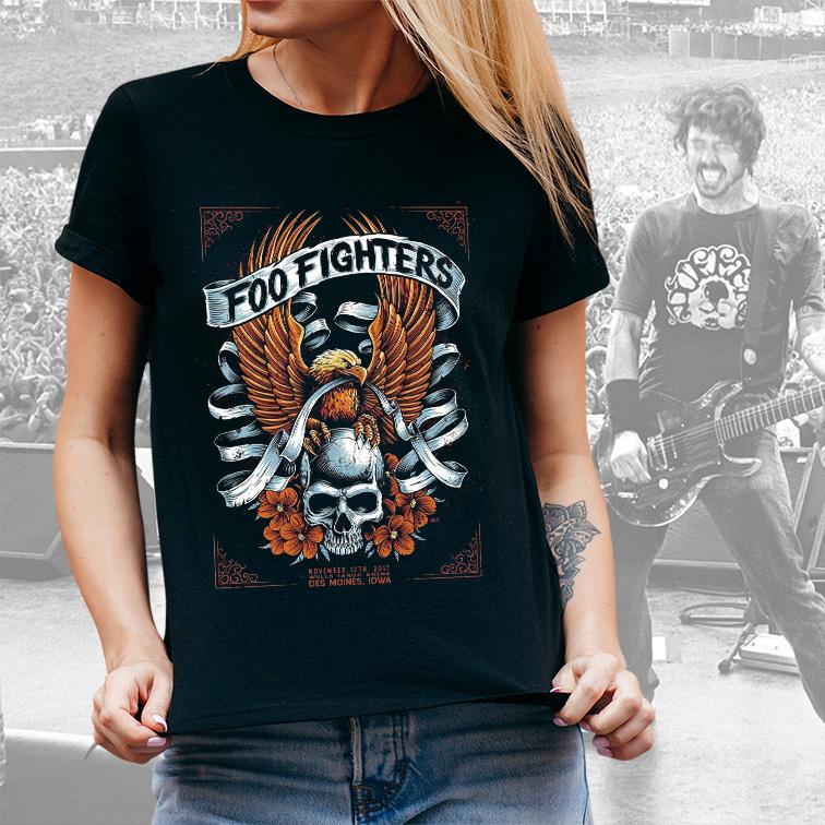 Camiseta Feminina Unissex Des Moines Iowa Wells Fargo Arena Foo Fighters (Preta) - EV