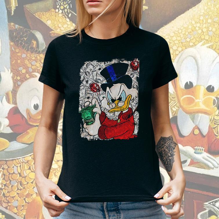 Camiseta Feminina Unissex Duck Tales Counts His Money Tio Patinhas (Preta) - EV