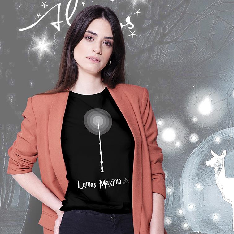 Camiseta Feminina Unissex Lumos Maxima: Harry Potter (Preta) - EV