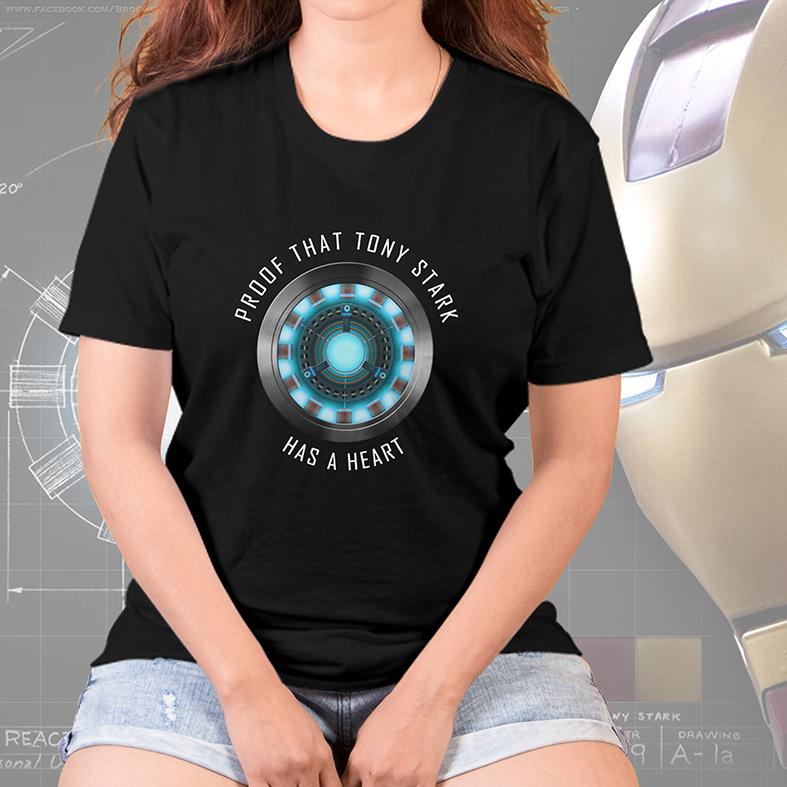 Camiseta Feminina Unissex Proof That Tony Stark Has A Heart Prova De Que Tony Tem Um Coração Iron Man (Preta) - EV