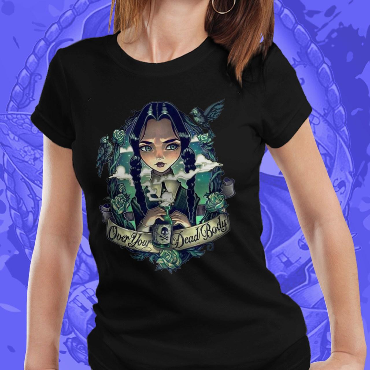 Camiseta Feminina Vandinha Cartoon: A Família Addams (Preto) - EV
