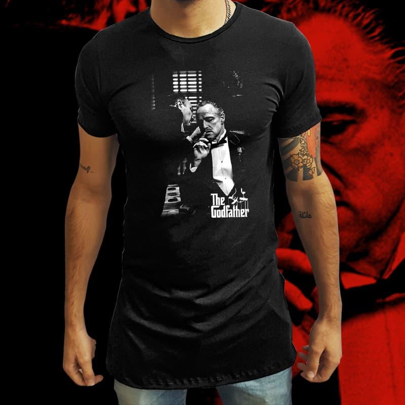Camiseta Long Line Conversa com Don Corleone: O Poderoso Chefão (Preto) - EV