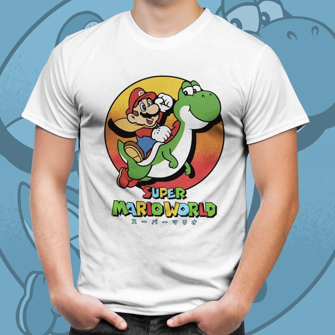Camiseta Mario E Yoshi: Super Mario Bros (Branco)