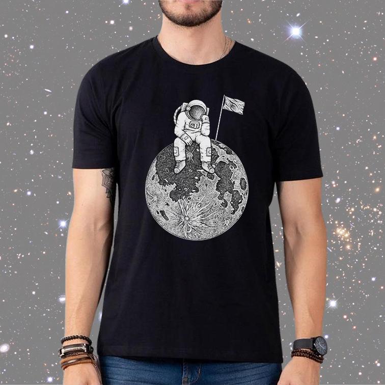 Camiseta Masculina Unissex Astronauta no Espaço Bandeira Space Nasa (Preta) - EV