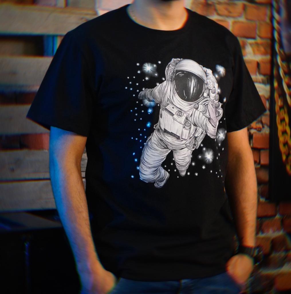 Camiseta Masculina Unissex Astronauts Space Nasa Astronauta (Preta) - EV