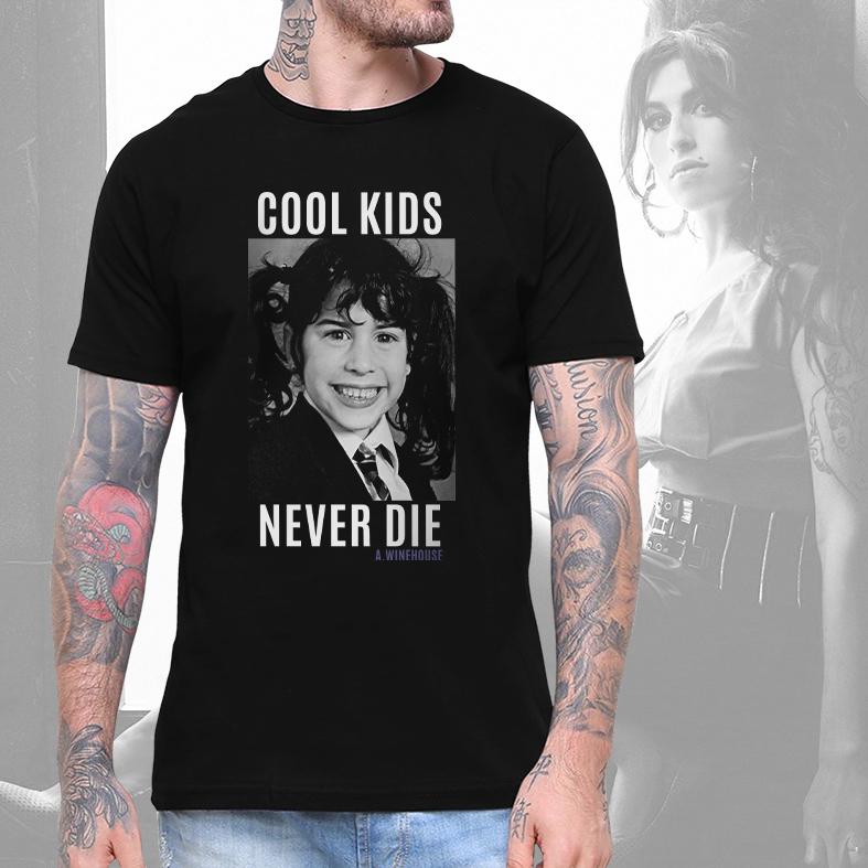 Camiseta Masculina Unissex Cool Kids Never Die Amy Winehouse (Preta) - EV